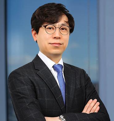 Jung Woo Lee